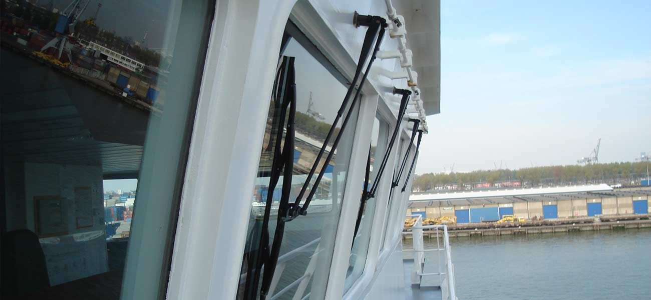 'Full image' from the web at 'https://observator.com/media/uploaded/window-wipers-vessel-2.jpg'